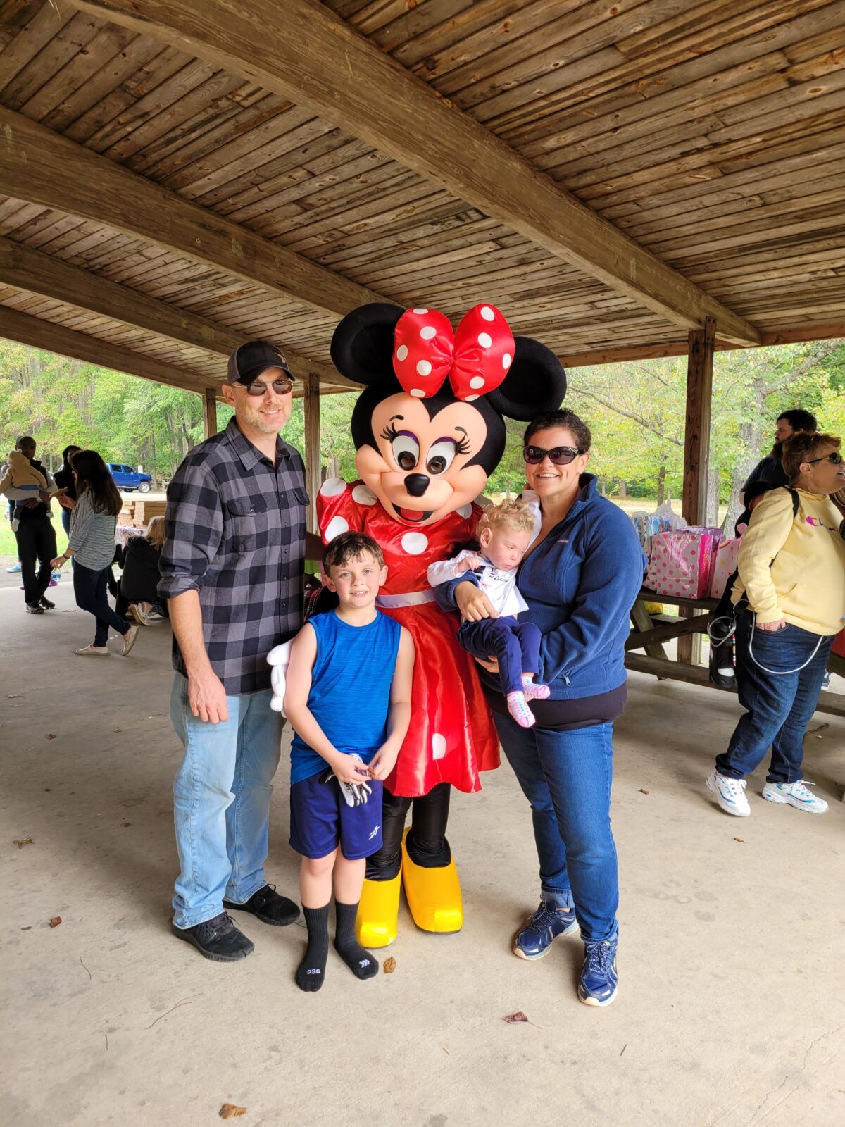Mia and family with Minnie